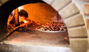 outdoor pizza oven guide-wood-fired-pizza-oven